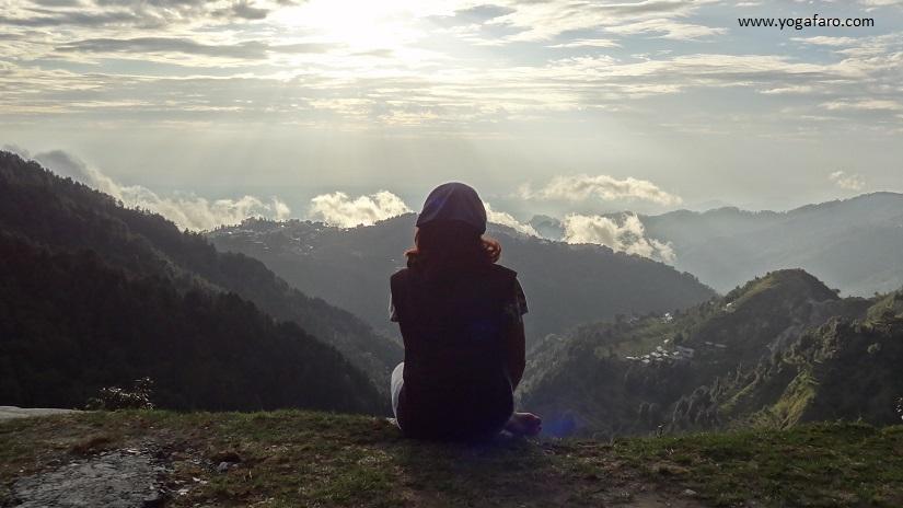montanhas em dharamkhot