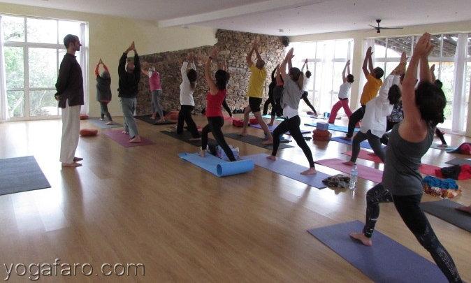 retiro de yoga yogafaro.com